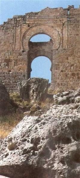 Entrada del castillo califal de Gormaz